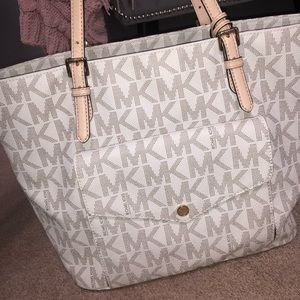 White Leathee Michael Kors Tote